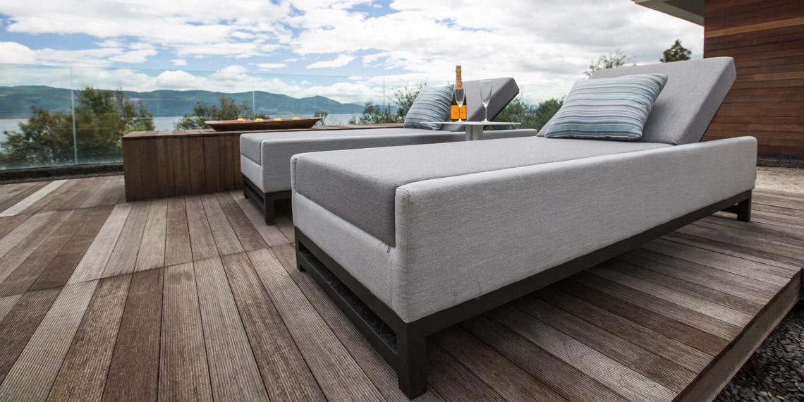 Outdoor Furniture in the Algarve - Quinta do Lago - Vale do Lobo - Algarve - Vilamoura - Almancil - Tavira - Carvoeiro - Loulé- Portugal Status Concept