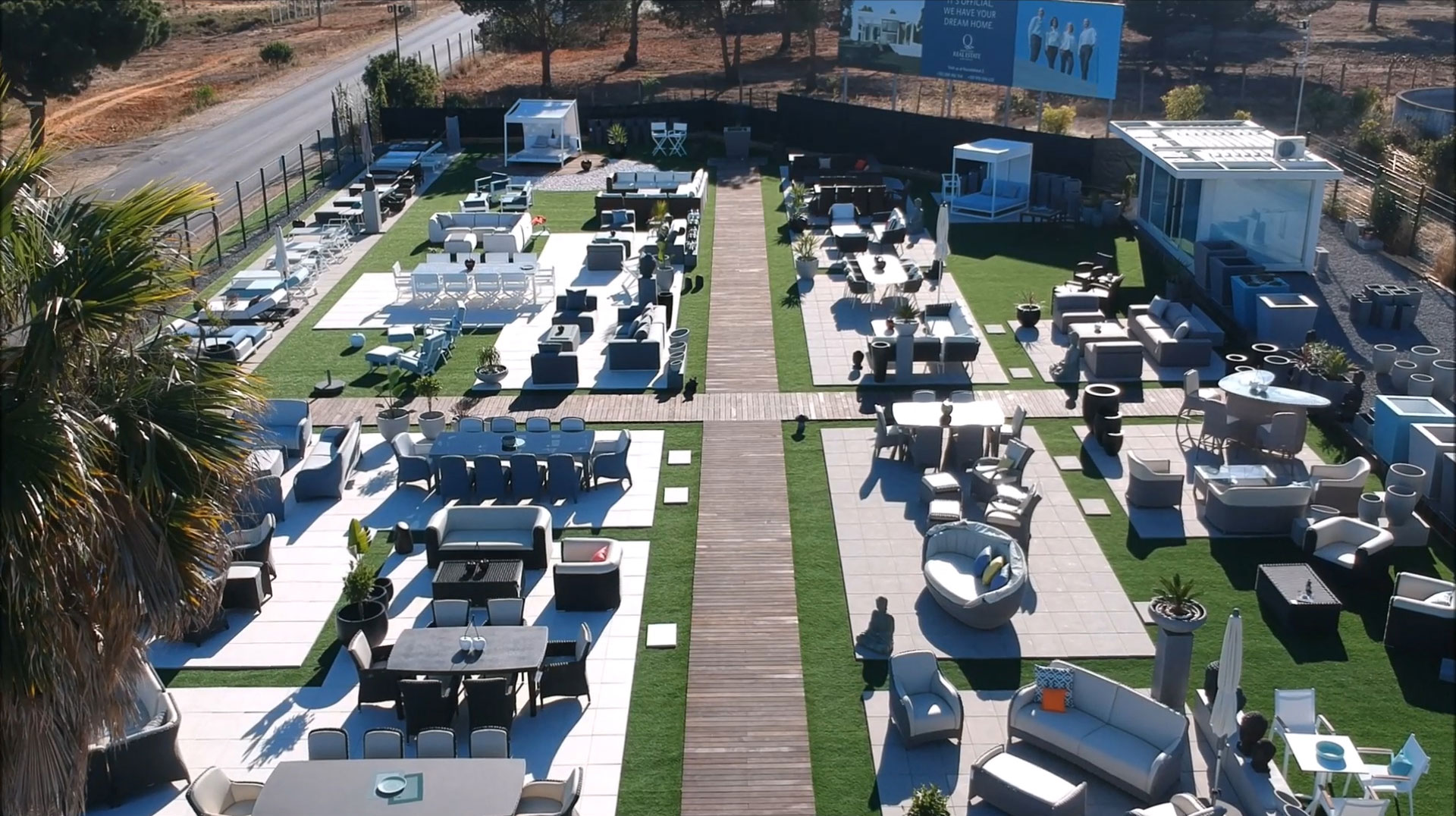 Vale do Lobo - Quinta do Lago Showroom Outdoor Furniture in the Algarve - Garden Furniture -Quinta do Lago - Vale do Lobo - Algarve - Vilamoura - Almancil - Tavira - Carvoeiro - Loulé- Portugal Status Concept